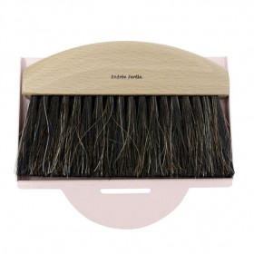 dustpan and brush natural / pink