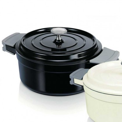 Beka casserole and lid 20 cm / 2.4 litre black from dowricks.com