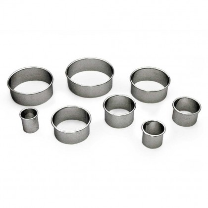 Gobel Bakeware - 100mm stainless steel round plain pastry cutter height 36mm from dowricks.com